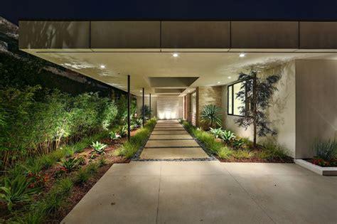 fantastic modern landscape designs   turn