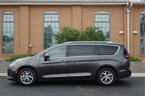 image  chrysler pacifica touring   size