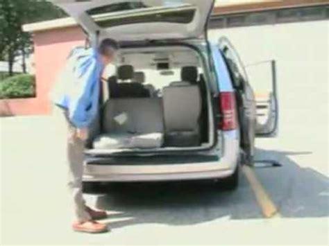 chrysler minivan with swivel seats 2008 chrysler minivan swivel n go seats demonstration