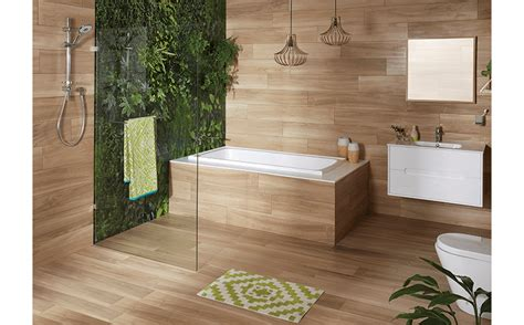 Makeover of a compact bathroom with timber look tiles