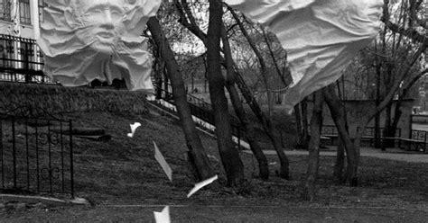 film hantu rusia saikan pada teman patung ini menjadi seperti sosok hantu