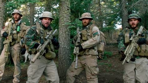 kisah nyata film lone survivor lone survivor film review hollywood reporter