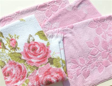 pink and green bath towels vintage bath towels mixed lot retro pink and by bornatthewrongtime