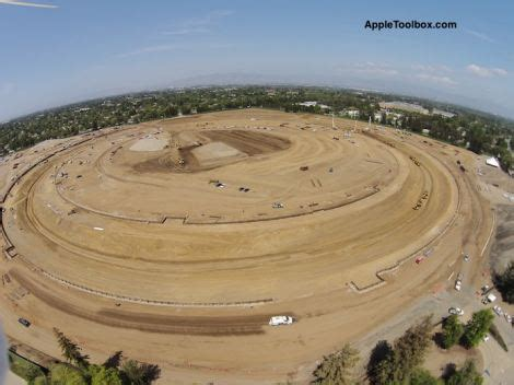 Apple Neubau by Drone Footage Reveals The Foundations Of Apples New Donut