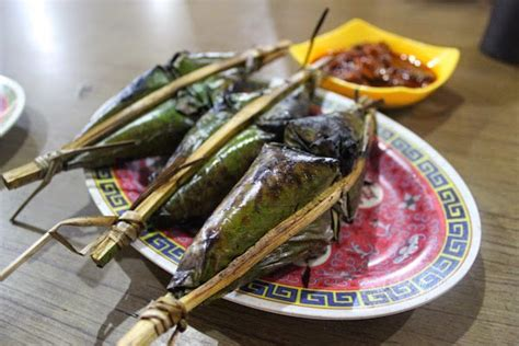 Camilan Makanan Rempeyek Kacang Udang Ebi Laris Enak Renyah 14 makanan khas kalimantan barat ini memang tiada duanyamakaha