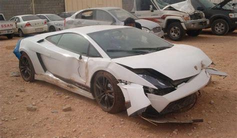 Lamborghini Wrecked Lamborghini Lp570 4 Superleggera Wrecked In Riyadh