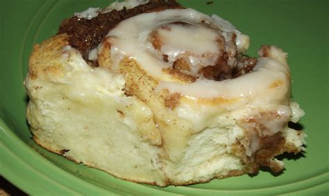 Handmade Cinnamon Rolls - and easy cinnamon rolls with no yeast