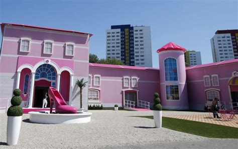 real barbie house real life barbie malibu dreamhouse hot girls wallpaper