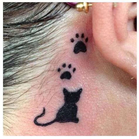 tattoo of cat paw print cat and paw prints tattoo tattoos pinterest