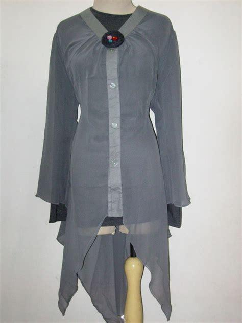 Sepatu Ket S Cowok blouse trendy threefashion
