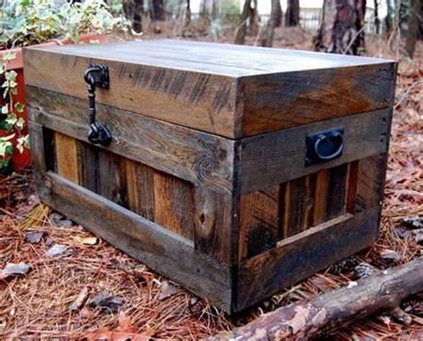 cama trunks 25 unique pallet trunk ideas on pinterest pallet chest
