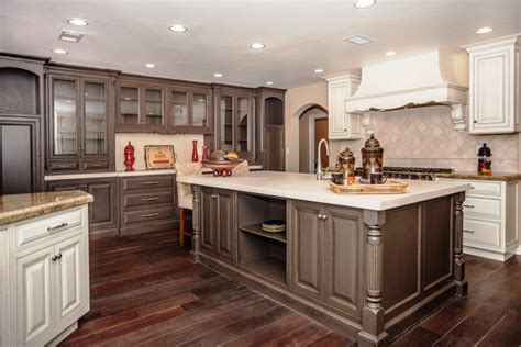 Best Color For Kitchen Cabinets by Popular Kitchen Paint Colors Cabinet Best Color For