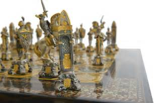 chess sets piero benzoni medieval chess set www chessantiques com