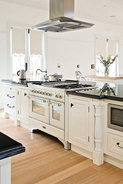 25 best ideas about french style kitchens on pinterest dream kitchens french country enchanting kitchen best 25 french provincial ideas on