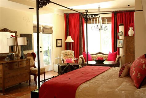 Crimson Bedroom Ideas by Traditional Bedroom Designs Master Bedroom Decosee