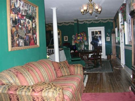 thomas house hotel hall with activity picture of thomas house red boiling springs tripadvisor