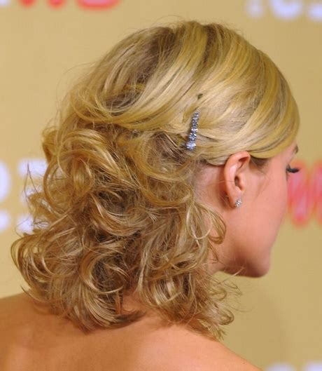 formal hairstyles for medium length hair down cute down hairstyles for medium length hair