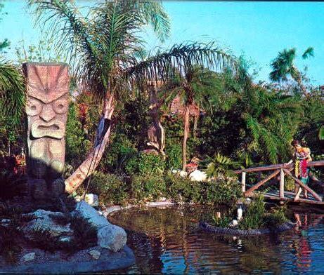 Tiki Garden by Tiki Gardens Ta