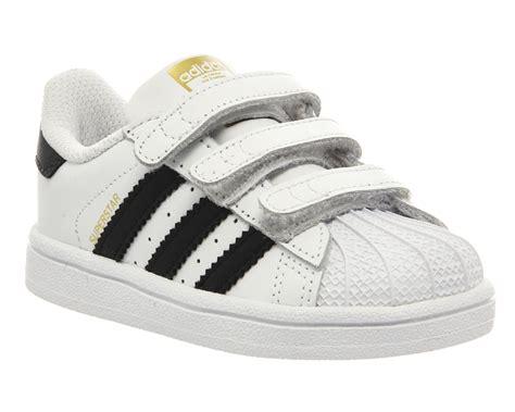 Sepatu Adidas Superstar Low Unisex Made In 1 adidas superstar infant 2 9 white black white unisex