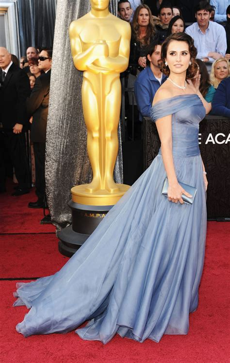 Which Of Penelopes Oscar Dresses Was The Most Fab by Amazing World 15 Best Oscar Dresses 2012