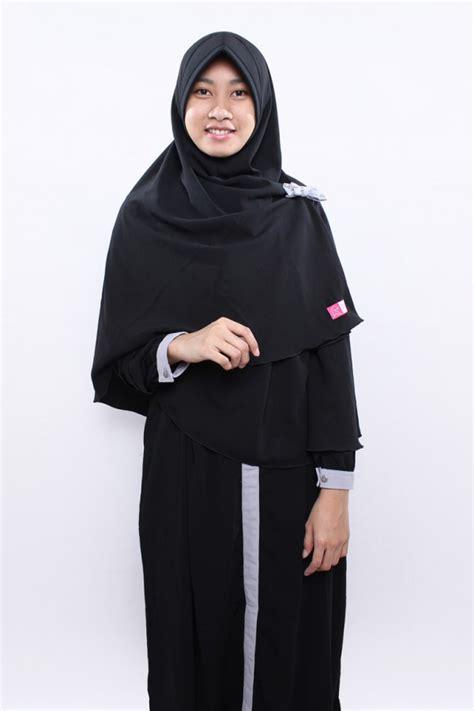 Manisqu Hitam gamis zahra hitam anizah khimar gamis syar i fesya
