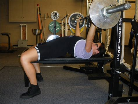 proper bench press what is powerlifting
