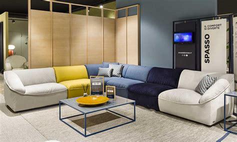 divani e divani catalogo divani divani by natuzzi inaugura il primo punto vendita 4 0