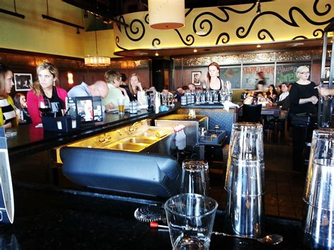 bar louie  classy  affordable happy hour hotspot cityview