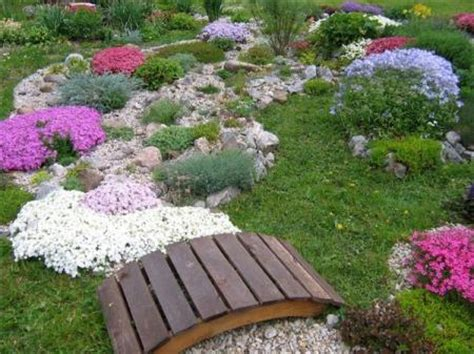 Flowers Gardening Ideas For Small Gardens 162 Garden Design Ideas Photos For Small Gardens