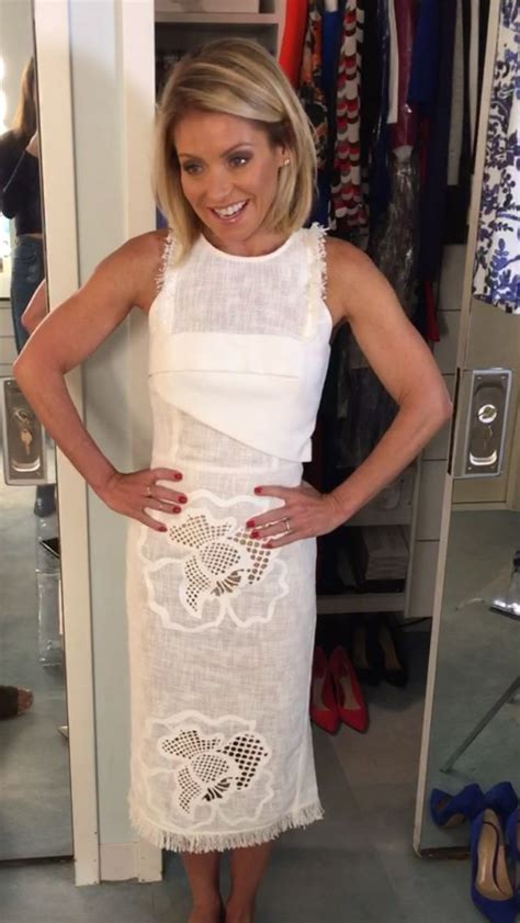 how to get kelly ripas hairstyle 6 steps ehow 25 best ideas about kelly ripa on pinterest kelly ripa