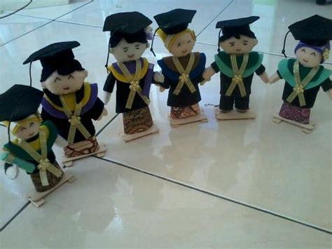 Boneka Wisuda Harganya boneka wisuda bw 0102 ukuran 12 cm rp 20 000 boneka