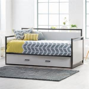 daybed mattress cover will make comfortable impression