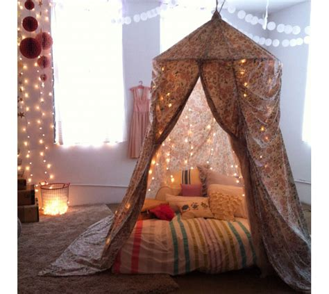 How To Build A Den In Your Bedroom by How To Make A Blanket Fort Bonds