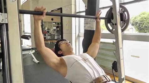 proper incline bench press form how to build a big upper chest smith machine incline