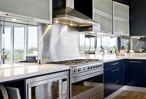 mirrored backsplash in kitchen 1000 images about benches back splash on pinterest