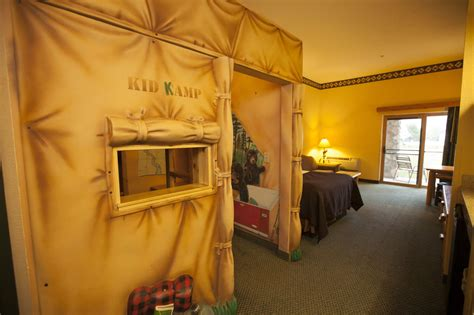 theme room hotels in ohio great wolf lodge reviews photos rates ebookers