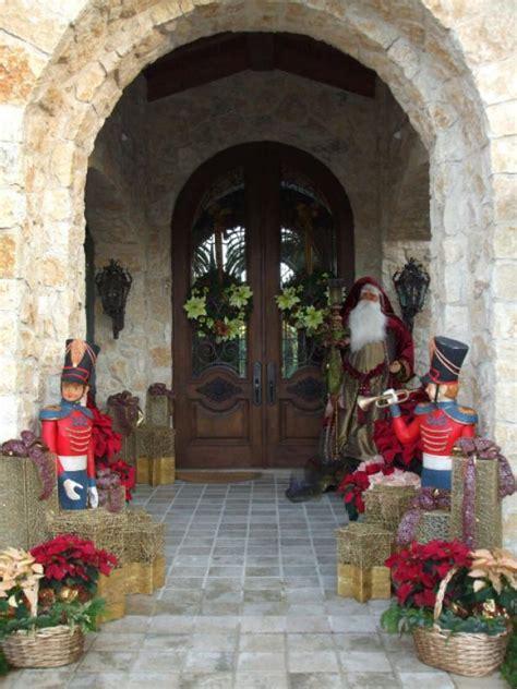 stunning outdoor christmas displays interior design stunning outdoor christmas displays hgtv