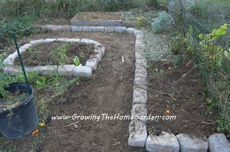 Rock Vegetable Garden Raised Bed Vegetable Garden With Borders Growing The Home Garden