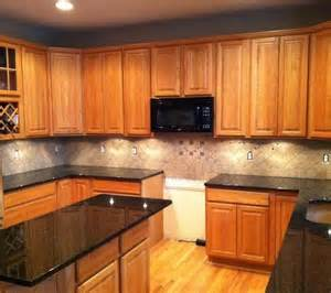 Kitchen Backsplash Ideas With Oak Cabinets by Light Colored Oak Cabinets With Granite Countertop