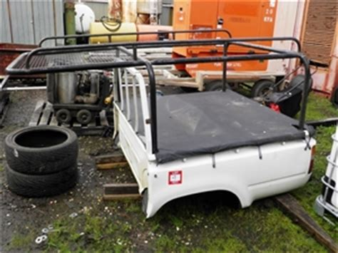 Hilux Canopy Roof Rack by Toyota Hilux Tub With Roof Racks And Canopy Auction 0009