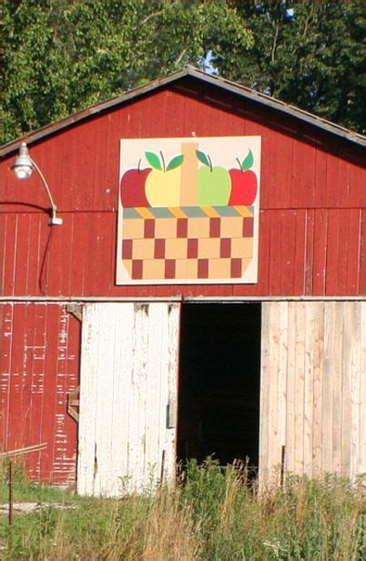 quilt pattern on barns in kentucky kentucky quilt and barns on pinterest