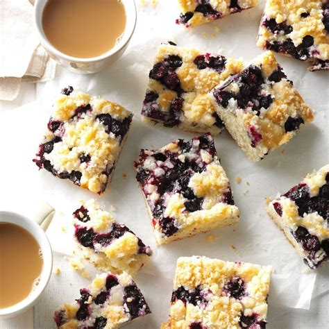 kuchen mit kaffee blueberry kuchen mit kaffee serviert bilder blueberry