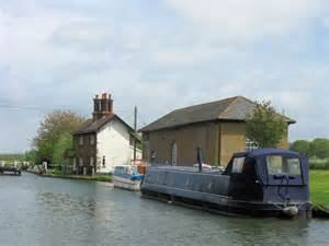 union canal house grand union canal engine house at 169 chris reynolds geograph britain and ireland