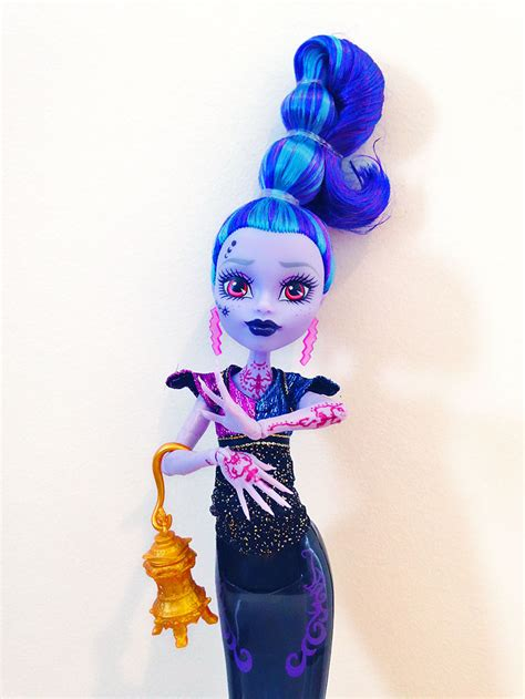 sdcc exclusive monster high villain pack djinni whisp