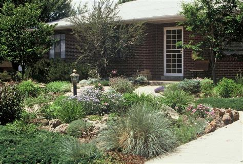 no grass garden ideas for shallow front yard to make it