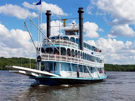 mississippi river boat cruise leclaire iowa the riverboat cruise in iowa you never knew existed