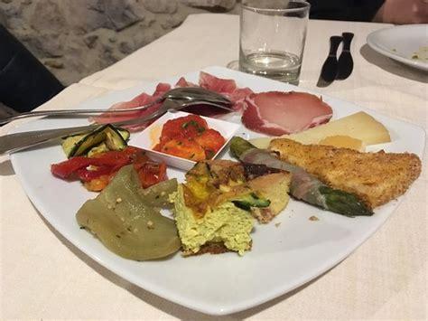 cucina molisana ristorante olmicello in cobasso con cucina cucina