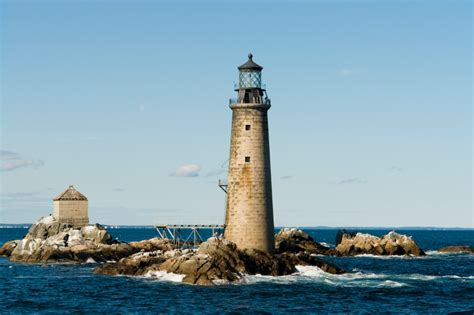 nine historic lighthouses in the united states boating blog