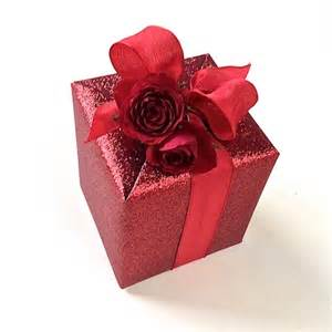 Valentines Gift Wrap - gift wrapping presentation ideas to make your valentine feel special jane means