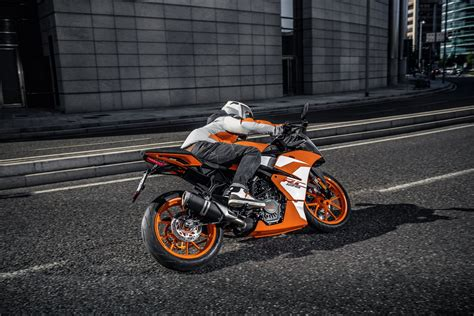 Motorrad Ktm Rc 125 by Gebrauchte Ktm Rc 125 Motorr 228 Der Kaufen
